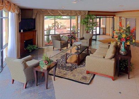 фото Comfort Suites Lake Charles 487804991