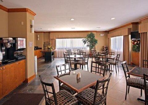 фото Comfort Suites Lake Charles 487804994