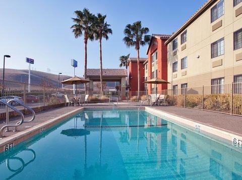 фото Holiday Inn Express Westley 487808151