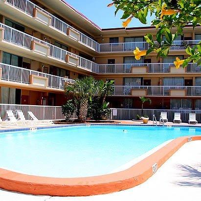 фото Magnuson Hotel Clearwater Beach 487813656
