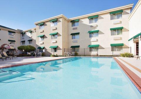 фото Holiday Inn Auburn 487813878