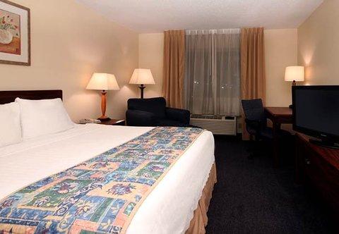фото Fairfield Inn Marriott Niles 487818101