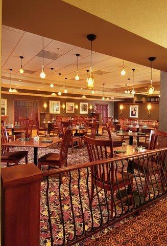 фото Holiday Inn Gaithersburg 487818671