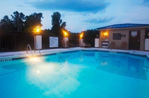 фото Hoffman Inn & Suites 487819067