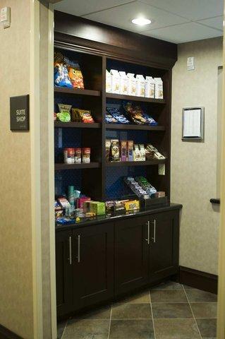 фото Hampton Inn - Suites Mount Ple 487820057