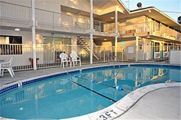 фото Motel 6 Monterey 487821081