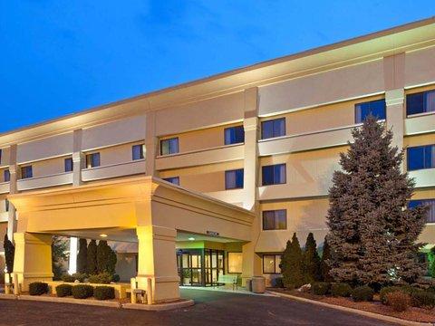 фото La Quinta Inn & Suites Cincinnati Northeast 487822004