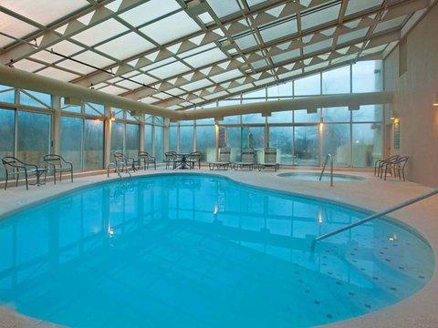 фото La Quinta Inn & Suites Cincinnati Northeast 487822017
