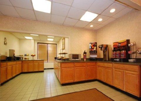фото Holiday Inn Express Fredericksburg - Southpoint 487823675