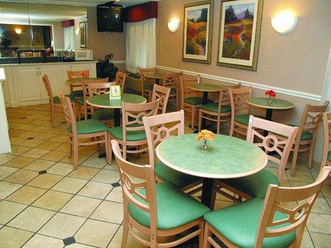 фото La Quinta Inn & Suites Nashville Franklin 487826033