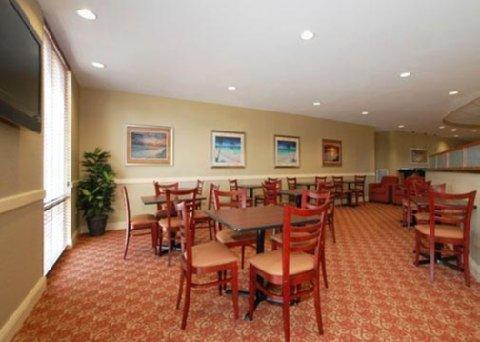 фото Comfort Suites Palm Bay 487826451