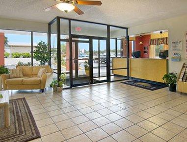 фото Days Inn Cruise Port West 487827985