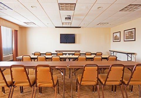 фото Holiday Inn Express Hotel & Suites Byram 487830253