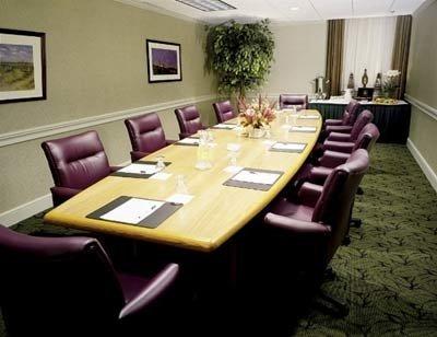фото Holiday Inn New London 487833222