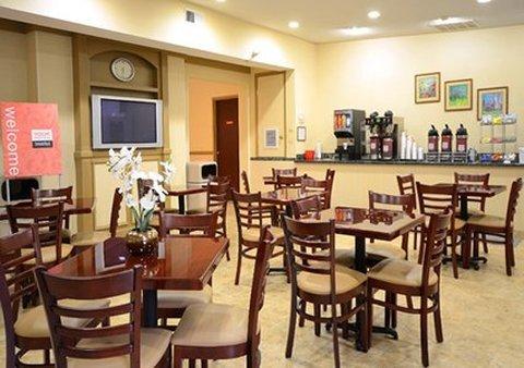 фото Comfort Suites Chesapeake 487833727