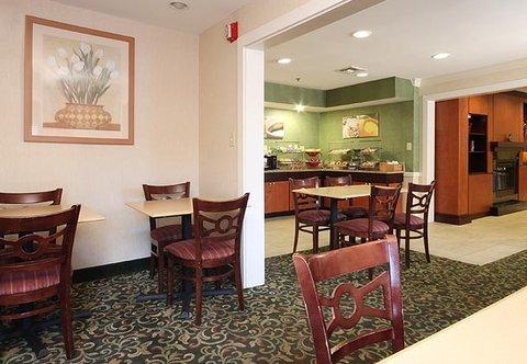 фото Fairfield Inn & Suites Atlanta at Six Flags 487833832
