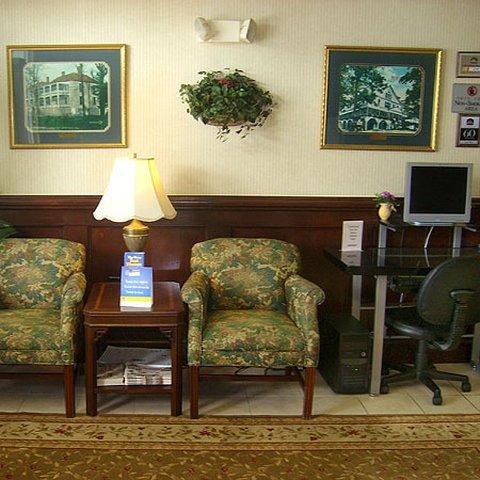 фото Plantation Inn & Suites 487837199