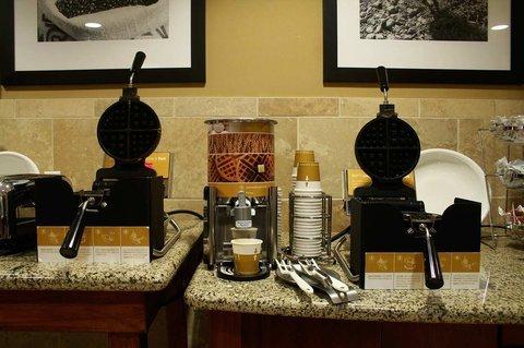 фото Hampton Inn & Suites Windsor-Sonoma Wine Country 487838704