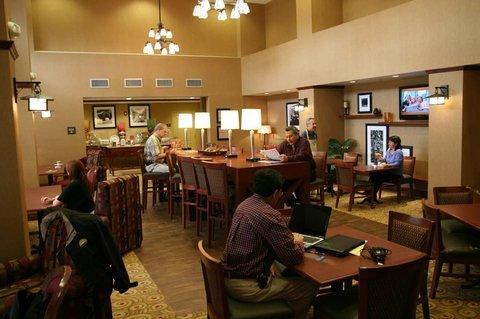 фото Hampton Inn & Suites Windsor-Sonoma Wine Country 487838706