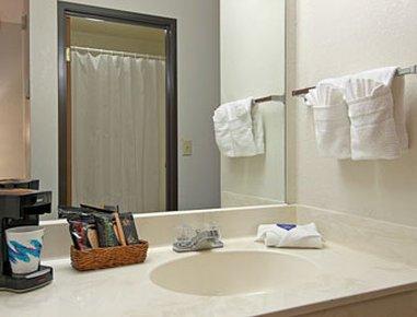 фото Baymont Inn and Suites Metropolis 487839019