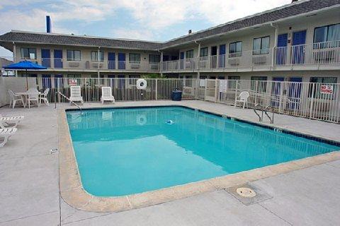фото Motel 6 Galveston 487841678