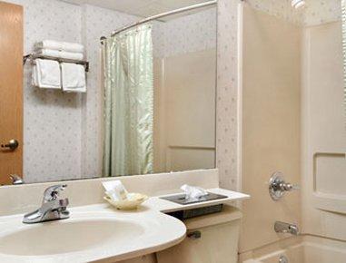 фото Microtel Inn Columbus Grove City 487842699