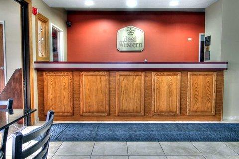фото Best Western Crossroads Inn 487846630