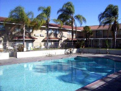 фото Anaheim Hills Inn & Suites 487847129