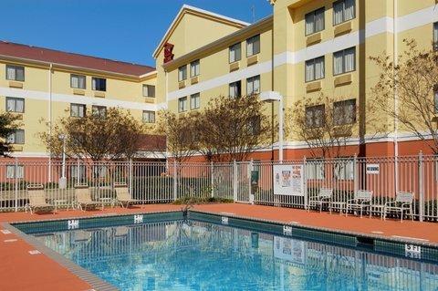 фото Red Roof Inn Austin-University Of Texas 487847832
