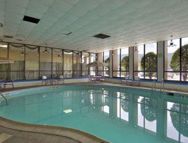фото Howard Johnson Hotel Norwich 487848236