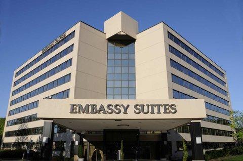 фото Embassy Suites Tysons Corner 487848971