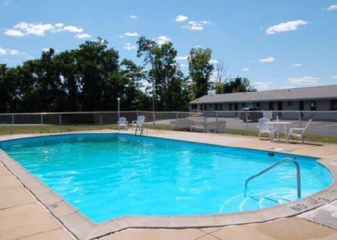 фото Econo Lodge Mechanicsburg 487849438
