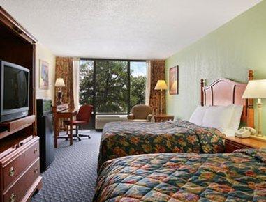 фото Comfort Inn & Suites Ft.Jackson Maingate 487853124