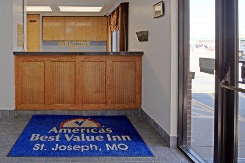 фото Americas Best Value Inn St. Joseph 487854047