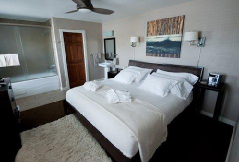 фото Bird Rock Hotel 487854832