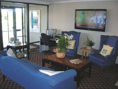 фото Fairfield Inn & Suites Cape Cod Hyannis 487855124