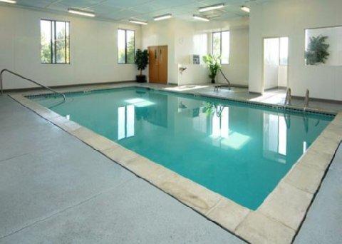 фото Comfort Suites Auburn Hills 487855440