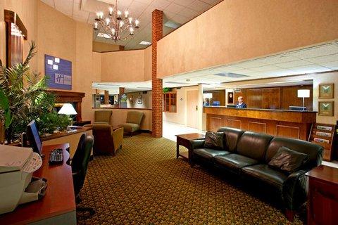 фото Holiday Inn Express Altoona 487855755