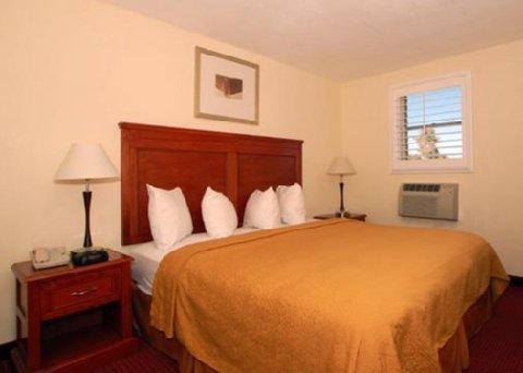 фото Days Inn & Suites Hickory 487858099