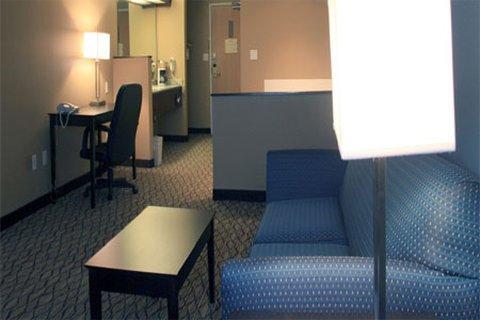 фото Magnolia Bay Hotel & Suites 487858457