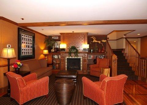 фото Comfort Inn & Suites 487860207