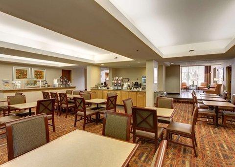 фото Comfort Suites Regency Park 487864515
