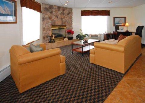 фото Econo Lodge On the Bay 487866380