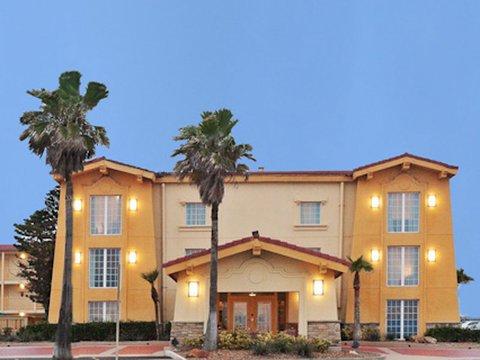 фото La Quinta Inn Galveston 487866621