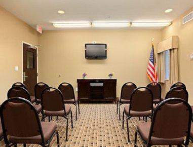 фото Microtel Inn & Suites by Wyndham Jacksonville Airport 487867636