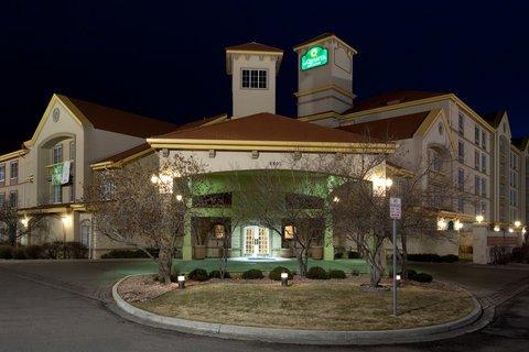 фото La Quinta Inn & Suites Denver Airport DIA 487870257