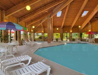 фото Baymont Inn & Suites Muskegon 487871517