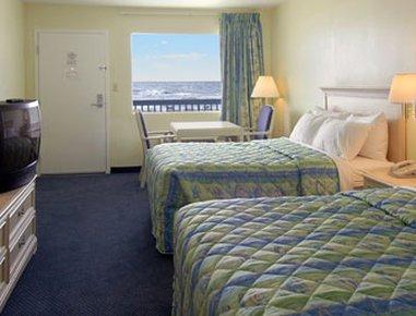 фото Days Inn Pensacola Beachfront 487873188