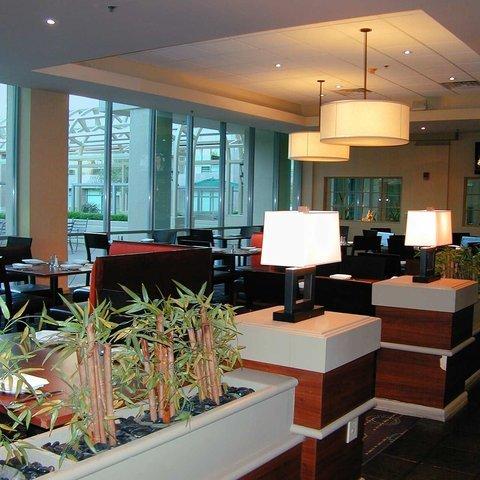 фото Embassy Suites Walnut Creek 487873886