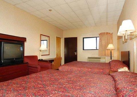 фото Days Inn Newark Liberty International Airport 487874814